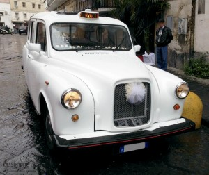 Taxi Inglese www.desimoneweddingservice.it