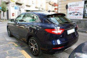 Noleggio Maserati Levante blu per Cerimonie Napoli (3)