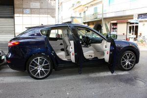 Noleggio Maserati Levante blu per Cerimonie Napoli (4)
