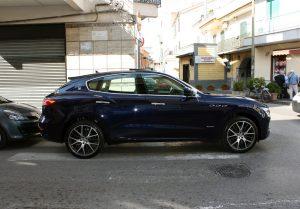 Noleggio Maserati Levante blu per Cerimonie Napoli (9)