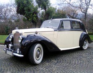 auto-sposi-napoli_auto-per-cerimonie_matrimonio_autonoleggio_desimoneweddingservice_52